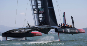 Oracle USA and Emirates Team New Zealand fly around SF Bay
